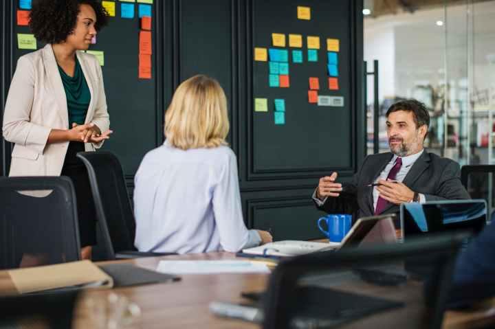Perlukah Pekerja Lepas Memiliki Keterampilan Bicara di Hadapan Umum (PublicSpeaking)?